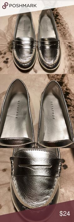 NWT SILVER LOAFERS NWT, size 5 Shoes Flats & Loafers