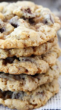 Crispy Chocolate Chip Oatmeal Cookies (with chunks of Nestles Crunch candy bars)