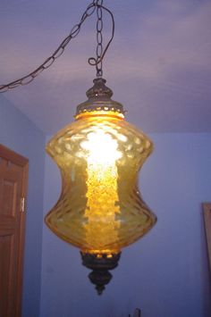 VTG / MID CENTURY AMBER SWAG HANGING CEILING LIGHT