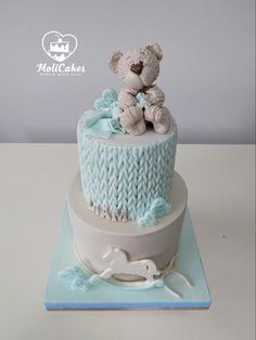 A 2 tier Christening cake, the sides decorated to look like knitting and topped with a fondant bear Baby Birthday Cakes, Baby Boy Cakes, Cakes For Boys, Babyshower Cake Boy, Pretty Cakes, Cute Cakes, Beautiful Cakes, Torta Baby Shower, Fondant Cakes