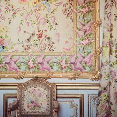 Marie Antoinette Palace by Irene Suchocki via marinagiller.com