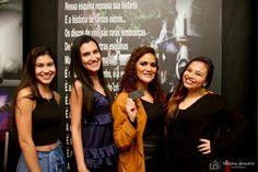 Laura, Carol, Luana e Bruna.