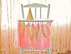 pink and gold for girls birthday | via Catch My Party