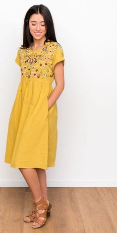 49 Totally Inspiring Summer Dress Outfits Ideas The post 49 Totally Inspiring Summer Dress Outfits Ideas appeared first on Summer Ideas. Summer Dress Outfits, Casual Dresses, Pretty Outfits, Pretty Dresses, Modest Fashion, Fashion Dresses, Woman Dresses, Fashion Clothes, Women's Fashion