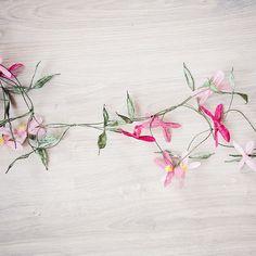 Bloemenslinger roze-tinten