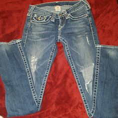 """FinalSaleRARE TRUERLIGION SwarvoskyCrstl RARETrue Religion Genuine Swarvosky Crystyl Disco Big Billy T Lrg stitch Flap Pocket skinny Jeans. 26 waist, 32"""" Inseam. 100% Proceeds go to families from fraud. A single mom and her 3 kids were left destitute by her ex husband after he fled indictment by the FBI. No child support/alimony and no warning. Their whole life was a lie and now their left to pick up the pieces through foreclosure and repossession as he runs free. True Religion Jeans Skinny"""