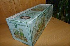 Caja de Vino decorada con decoupage, transfer, estarcido, puntilla y fabric tape