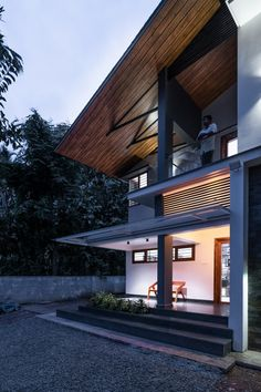 Modern abode with traditional embellishment | Cognition Design Studio - The Architects Diary Exterior Design, Interior And Exterior, Staircase Landing, Exposed Concrete, Large Windows, Skylight, Minimal Design, Modern House Design, Open Plan