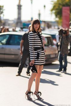 Ruffles and stripes. Monochrome dress. Street style. Anaya ziourova athensstreetstyle
