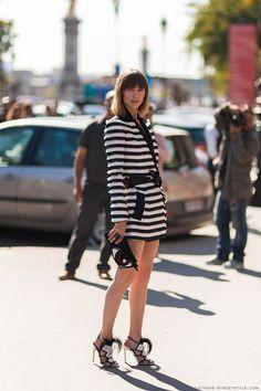 Ruffles and stripes. Monochrome dress. Street style. Anaya ziourova athensstreetstyle
