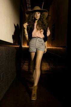 Sexy Hailee Steinfeld