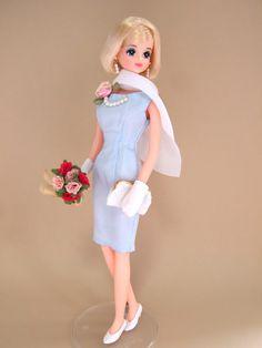 ジェニーとわたし Jenny and I: バラとパールのワンピース       Blue Dress with Roses and Pearls