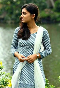 South Indian actress Nazriya Nazim best picture and wallpaper gallery. Best hd image gallery of actress Nazriya Nazim. Kerala Bride, South Indian Bride, South Indian Actress, Beautiful Indian Actress, Beautiful Actresses, Indian Attire, Indian Outfits, Indian Clothes, Indian Wear