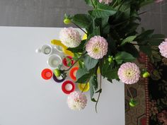 Happy flowers with happy porcelain tealight