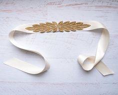 Venise Lace Bridal Sash - Wedding Accessory - Mirrored Leaves - Ivory Or Black Satin Ribbon - Custom Color