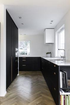 Kitchen Island, Kitchen Cabinets, Oslo, Design, Home Decor, Velvet, Restaining Kitchen Cabinets, Homemade Home Decor, Kitchen Base Cabinets