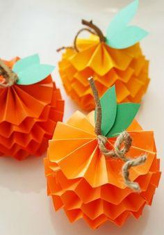 15 Fun + Festive Thanksgiving Crafts for Kids – Crafts Thanksgiving Crafts For Kids, Halloween Crafts For Kids, Paper Crafts For Kids, Thanksgiving Decorations, Crafts For Teens, Holiday Crafts, Crafts To Make, Easy Crafts, Diy Paper