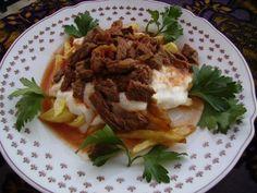 Muğla Çökertme Kebabı Turkish Recipes, Ethnic Recipes, Panna Cotta, Mexican, Yummy Food, Beef, Pasta, Cooking, Meat