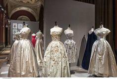 La mode des années 50 s'expose au Palais Galliera à Paris/été 14