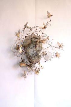 Wire Art, Magazine Art, Handmade Flowers, Botanical Art, Installation Art, Textile Art, Metal Art, Art Projects, Fabric Flowers