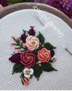 Ribbon Embroidery Tutorial, Embroidery Neck Designs, Hand Embroidery Videos, Embroidery Flowers Pattern, Embroidery Works, Hand Embroidery Stitches, Silk Ribbon Embroidery, Embroidery Hoop Art, Brazilian Embroidery Stitches