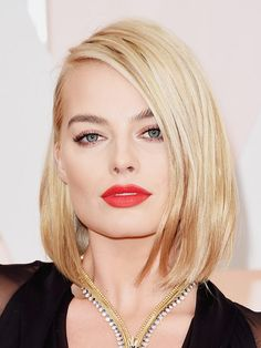 Margot Robbie - The Best Hairstyles from the 2015 Oscars