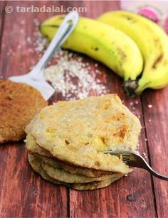 A delectable meal deserves a sweet finish. So, say goodbye to the dining table with these banana and coconut flavoured Sweet Faraali Pancakes. Buckwheat Recipes, Millet Recipes, Indian Breakfast, Breakfast For Dinner, Millet Benefits, Navratri Recipes, 5 Ingredient Recipes, Iron Rich Foods