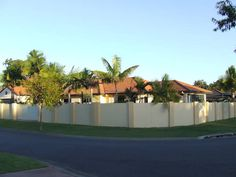 Burleigh Oasis Family Home, a Burleigh Waters House
