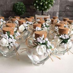 Bilgi ve sipariş için DM'den ulaşabilirsiniz. #nikah #düğün #mevlüt #kinagecesi #babyshower #nisan #davetiye #bebek #ask #hamileyimanneyim #enuygunfiyat #hediyelik #süs #seker #kahve #lavantakesesi #enguzelgun #gununkaresi #tasarim #anne #bebek #ozelgun #nikahsekeri #nikahsusu #mutluluk http://turkrazzi.com/ipost/1524795854963597429/?code=BUpKcBaF-B1