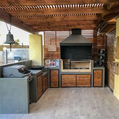 O Patio Churrasqueira . O Patio Churrasqueira . Don T Really Like the Look Decor Of This Patio Itself but Covered Outdoor Kitchens, Modular Outdoor Kitchens, Outdoor Kitchen Patio, Outdoor Kitchen Design, Indoor Outdoor, Kitchen Prices, Design Jardin, Kitchen Doors, Kitchen Vent