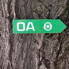 Oa Wooden Directional Sign - Green Lantern