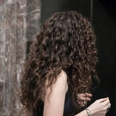 Love this curly (maybe permed) hair