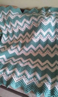 Pretty chevron crochet blanket