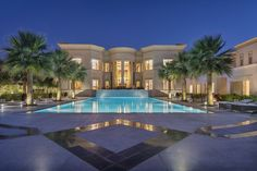 Luxury real estate in Dubai United Arab Emirates - Majestic Golf Course Mansion - JamesEdition