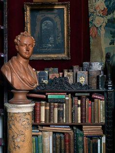 Stephen-Calloway-s-London-House--Books-with-Bust--2013_582.jpg (660×880)