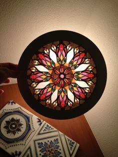 光のアートOnde〜 RoseWindows ローズウィンドウ (紙のステンドグラス) 薔薇窓 バラ窓 http://onde.strikingly.com/
