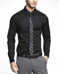 Express men's clothing gives you function and style in one. Check out our new men's fashion arrivals in suits, dress shirts, jeans, shirts and much more to update your men's style. Formal Dresses For Men, Formal Men Outfit, Formal Shirts For Men, Business Attire For Men, Business Fashion, Mens Fashion Suits, Fashion Wear, Moda Formal, Stylish Mens Outfits