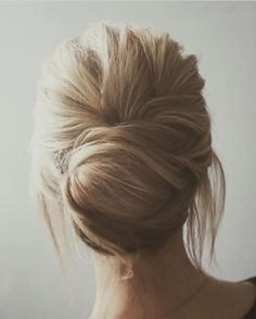 Beautiful chignon wedding hairstyle | fabmood.com