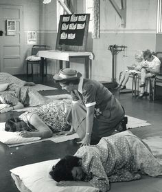 Antenatal Class 1940s - possibly NHS
