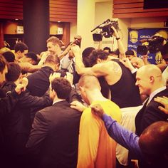 After a hard-fought battle, #Warriors huddle together in lockerroom. #WarriorsGround