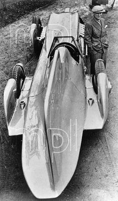 1933 Bluebird Malcolm Campbell rear