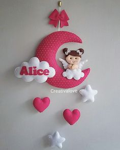 Questo è un che una dolce ha voluto fare alla sua ❤️ Tanto e delicatezza per ❤️👧❤️ Ora aspettiamo Kids Crafts, Baby Crafts, Felt Crafts, Diy And Crafts, Sewing Toys, Baby Sewing, Baby Kranz, Diy Y Manualidades, Baby Mobile