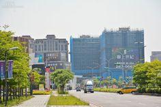 高鐵桃園站周遭的房市情景。(好房網News記者 陳韋帆/攝影)