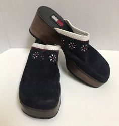 20d3007c41355 Shoe Box · Tommy Hilfiger Navy Blue Suede Clogs Upper Leather White Daisy  Cutouts Sz 7.5M  TommyHilfiger
