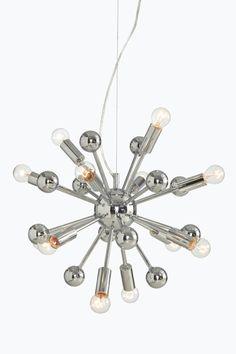 Metallia. ø 42,5 cm. Kokonaiskorkeus n. 150 cm. 12xE14. Enintään 28 W (lamput eivät ole mukana). <br><br>