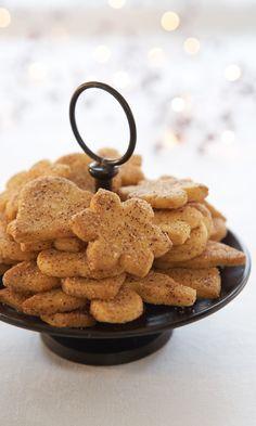 Jumalaiset kanelipikkuleivät | Maku Xmas Desserts, Vegan Desserts, Xmas Food, Christmas Cooking, Baking Recipes, Cookie Recipes, Sweet Bakery, Sweet And Salty, I Love Food