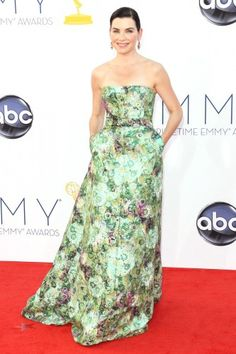 I sorta wish Julianna Margulies had gone for less severe hair, but that dress...