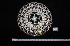 Brosa rotunda pietricele Diamond Earrings, Jewelry, Crystal, Jewlery, Jewerly, Schmuck, Jewels, Jewelery, Diamond Drop Earrings