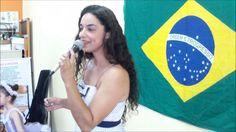 (1) Karin Gama apresentando uma canção no Café com Poesia - 88º Edição -...