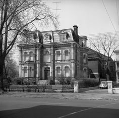 Historic photo from Sunday, May 1956 - James Cooper Mansion - Sherbourne St. in Upper Jarvis Historical Architecture, Interior Architecture, Interior Design, Toronto Photos, Old Buildings, Historical Photos, Old Houses, Ontario, Louvre